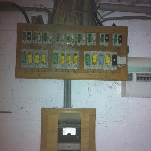 Mise aux normes électriques d'une maison ancienne